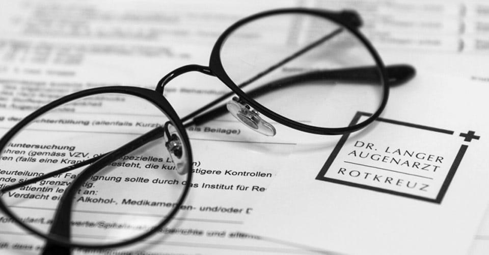 Brillenfoto - Dr. Langer, Praxis für Augenheilkunde + Augenlaser in Rotkreuz / Zug